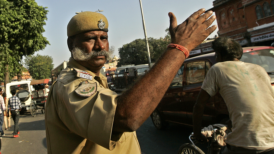 Indian Police, Beating Residents, Coronavirus curfew, COVID-19 India
