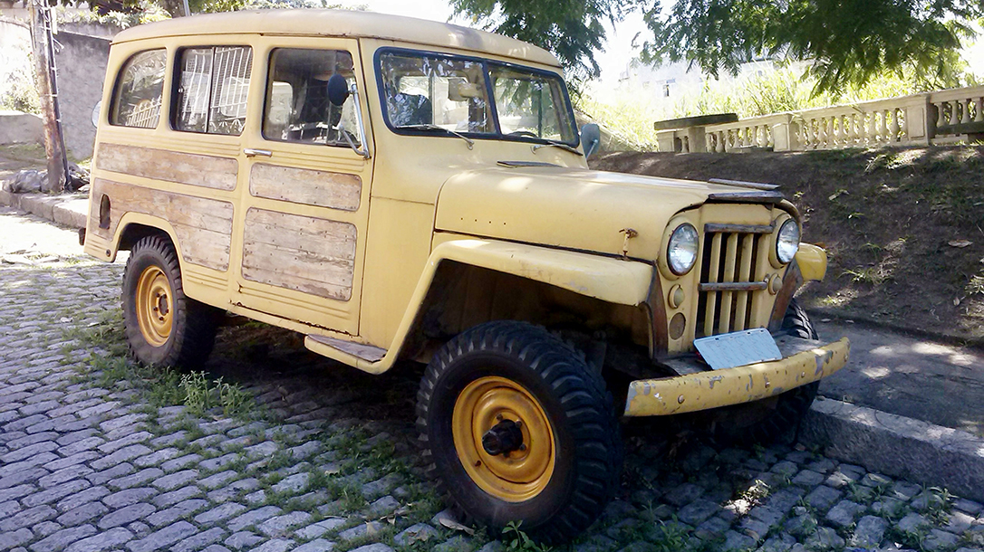 A vintage 4X4 definitely shows the neighbors just who the boss is.
